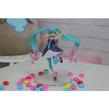 Spring School Girl Hatsune Miku Figure